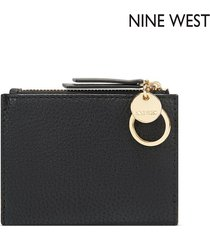 billetera nine west  cara small zip wallet- negro
