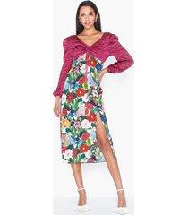 glamorous watercolor floral skirt klänningar