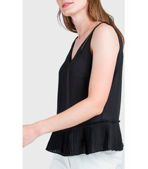 blusa ash lisa con plisado negro - calce regular