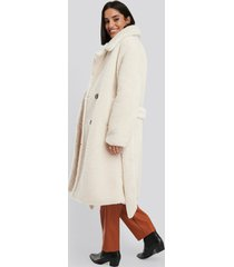 na-kd belted long teddy coat - white