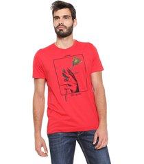 camiseta forum smell the roses vermelha