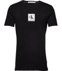 center monogram box slim tee t-shirts short-sleeved svart calvin klein jeans