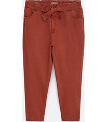 calça mom clochard com cinto curve & plus size