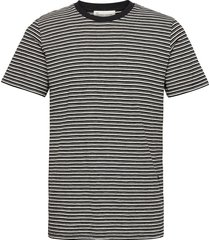 the organic multistriped tee t-shirts short-sleeved multi/mönstrad by garment makers