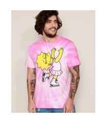 camiseta masculina lisa simpson patinadora estampada tie dye manga curta gola careca rosa