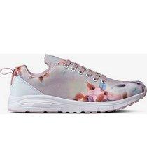 sneakers flower