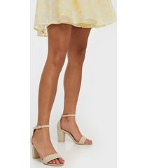 nly shoes block mid heel sandal high heel beige