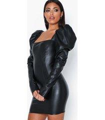 nly one leather look puff dress fodralklänningar