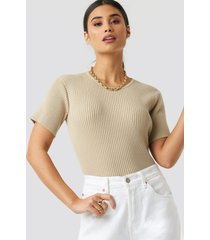 xle the label hudson rib knitted tee - beige