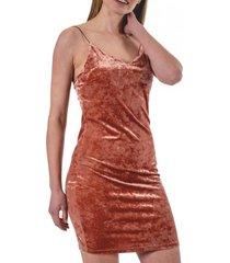 vestido sarabi coral guinda