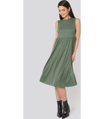 trendyol guipure shirred midi dress - green
