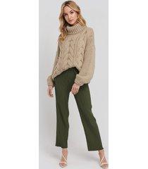 na-kd trend elastic waist pleated pants - green