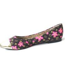 baletas negras con flores rosadas y punta dorada