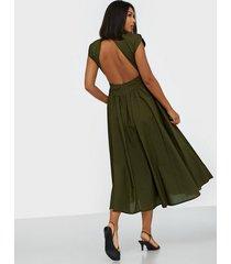 gestuz cassiagz midi dress maxiklänningar