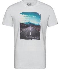 open road photo t-shirt t-shirts short-sleeved vit original penguin