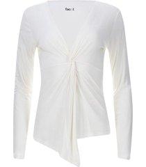 camiseta escote en v con recogido color blanco, talla 6