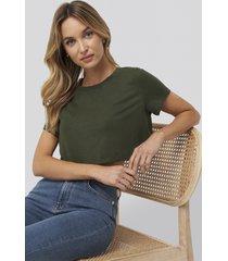 pamela x na-kd reborn croppad t-shirt med rå fåll - green