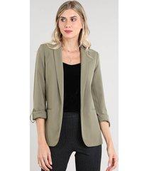 blazer feminino acinturado com martingale verde militar