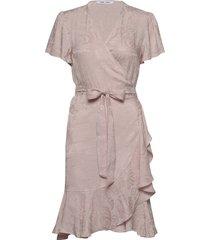 adelia ss wrap dress 12696 knälång klänning rosa samsøe samsøe