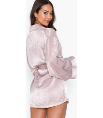 missguided embroidery bridesmaid robe morgonrockar