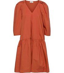 cymaria knälång klänning röd by malene birger