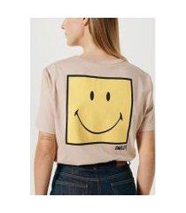 camiseta unissex manga curta estampa smiley®