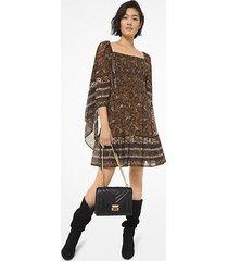 mk abito in georgette con maniche a foulard e punto smock con motivo paisley - caramello (marrone) - michael kors