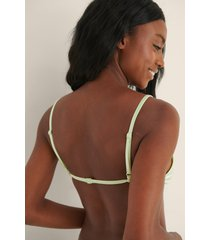 moa mattsson x na-kd bikinitopp med trekantsdesign - green