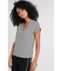 blusa feminina estampada geométrica manga curta decote v bege claro