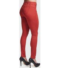 pantalón tentation gabardina bordado rojo - calce ajustado
