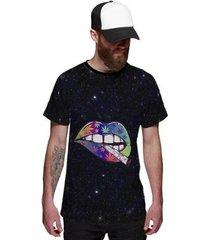 camiseta cannabis lábios com ervas marijuana colorida - masculino