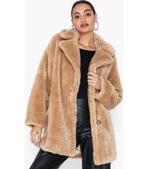 topshop soft borg coat faux fur
