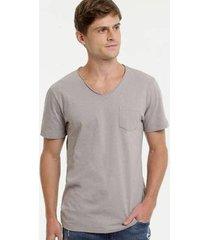 camiseta botonê bolso manga curta mr masculina - masculino