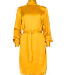 jurk met riem leto  okergeel