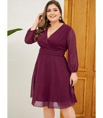 vestido de manga larga con cuello en v profundo y diseño de abrigo morado de talla grande de yoins