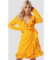 na-kd boho dotted frill dress - yellow