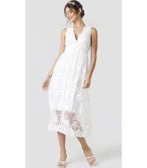na-kd party deep v-neck delicate lace dress - white