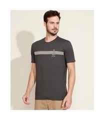 camiseta masculina comfort listrada âncora manga curta gola careca cinza mescla escuro