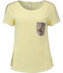 t-shirt emilia geel