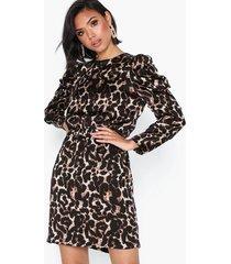 vero moda vmsalina l/s pleat short dress exp loose fit dresses ljus grå