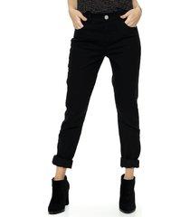jean negro asterisco purmamarca