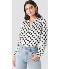 na-kd big dots long sleeve blouse - white