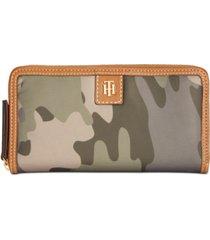 tommy hilfiger julia solid nylon zip wallet