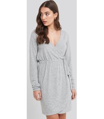 na-kd overlap light knitted dress - grey