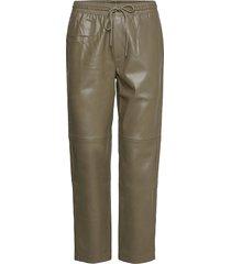 apple leather leggings/byxor grön mango
