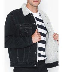 calvin klein jeans iconic omega sherpa denim jacket jackor blå