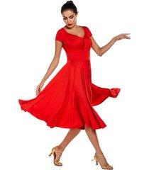vestido baile de salón gran falda posando mujeres