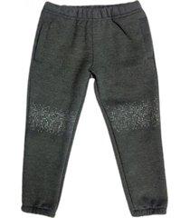 pantalón gris pecosos frisa rodillera