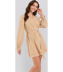 na-kd boho overlap draped mini dress - beige
