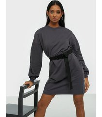nly trend buckle belt sweat dress loose fit dresses